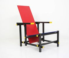 Chaise Rouge et bleue via Goodmoods