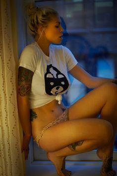 #tattooedgirl #sexytattoos #inkedgirl #sexygirl