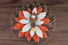 I wanted to share this cookie platter with you on Thanksgiving day, but I got pretty busy so I will have to settle for Thanksgiving weekend! I had made these Turkey Cookies a few weeks ago and I l… Turkey Cookies, Fall Cookies, Thanksgiving Cakes, Thanksgiving Turkey, Date Energy Bars, Lemond Curd, Miss Cake, Sugar Beads, Turkey Platter