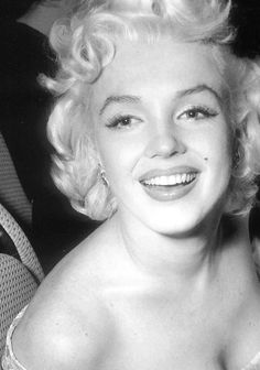 Marilyn Monroe at the premiere of East Of Eden, 5th March 1955.