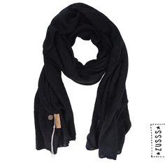Zusss | Warm gebreide sjaal zwart | http://www.zusss.nl/product/warme-gebreide-sjaal-zwart/