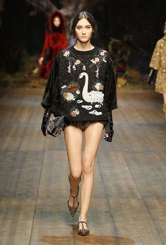 Dolce & Gabbana // Women Fashion Show Runway // Fall & Winter 2014-2015 // Source: dolcegabbana.com