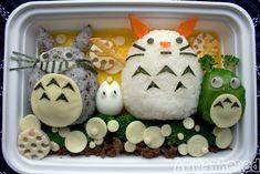 Ребенок плохо ест? Пропал аппетит? В Японии готовят не только вкусную и здоровую, но и очень красивую пищу. Мы предлагаем вам подборку фотографий бэнто, — японский вариант обеда с собой.