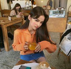Korean Photography, Ariana Grande Hair, Korean Best Friends, African American Fashion, Western Girl, Girl Couple, Korean Couple, Pretty Asian, Couple Outfits
