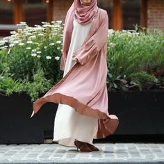 Pretty and flowy is how you will feel with our beautiful Sofia Abaya. Soft, rich silk nida silk envelope your skin and make you feel like you're gliding❤️ Niqab Fashion, Muslim Fashion, Modest Fashion, Fashion Dresses, Arab Girls Hijab, Girl Hijab, Hijab Bride, Muslim Dress, Hijab Dress