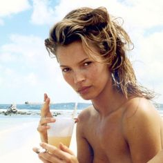 Check out Line Magazine's never-before-seen photos of Kate Moss and Amber Valletta shot by Herb Ritts. Kate Moss, Amber Valletta, Ella Moss, Cindy Crawford, Bridget Hall, Herb Ritts, Queen Kate, Stars Nues, Miss Moss