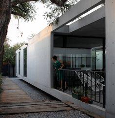 Rectangular Concrete House with an Interior Courtyard in Monterrey