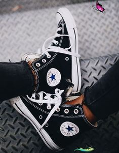 Maëva   #Maëva #WomenShoesconverse<br> Converse All Star, All Star Shoes, Converse Style, Converse Chuck Taylor All Star, Chuck Taylor Sneakers, High Top Sneakers, Moda Sneakers, Sneakers Mode, Casual Sneakers