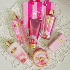 Victoria's Secret, pink, and victoria secret image Victoria Secrets, Victoria Secret Rosa, Victoria Secret Perfume Set, Parfum Victoria's Secret, Pink Nation, Body Lotions, Tips Belleza, Body Spray, Smell Good