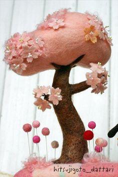 Needle felted Tree Wool Needle Felting, Needle Felted Animals, Wet Felting, Victorian Dollhouse, Modern Dollhouse, Barbie Miniatures, Felt House, Miniature Dolls, Miniature Houses