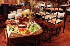 Italian and Seafood Buffet at the Clipper Lounge, Mandarin Oriental, Hong Kong