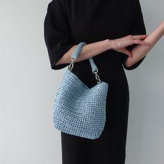 Crochet Clutch, Crochet Handbags, Crochet Purses, Knit Crochet, Crochet Bags, My Bags, Purses And Bags, Macrame Purse, Crochet Shoulder Bags