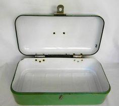 """VINTAGE GERMAN GRANITEWARE ENAMELWARE JADITE GREEN BREAD BOX ~ 19"""" x 9"""" x 6"""""""