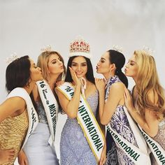 Kylie Verzosa and her court in the first official photoshoot of Miss International 2016