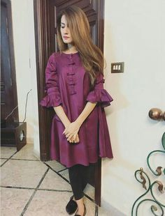 New designs for short frocks Pakistani Dresses Casual, Pakistani Dress Design, Indian Dresses, Indian Outfits, Stylish Dresses For Girls, Simple Dresses, Casual Dresses, Girls Dresses, Sleeves Designs For Dresses