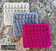 Worsted Weight Boot Cuffs ~ ELK Studio Are you ready to complete your set in the Christmas Present Crochet-Along? Get the hooks out and work up these cute boot cuffs! Crochet Boots, Crochet Gloves, Crochet Slippers, Knit Or Crochet, Free Crochet, Irish Crochet, Scrap Crochet, Crochet Headbands, Knit Headband