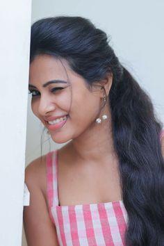 Indian Long Hair Braid, Braids For Long Hair, Open Hairstyles, Indian Hairstyles, Beautiful Girl Indian, Beautiful Indian Actress, Beautiful Women, Beauty Full Girl, Beauty Women