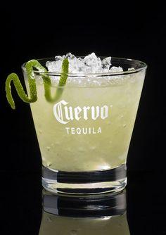 La Margarita, LE cocktail à base de tequila. Buvez-le avec une pointe de sel avant d'avaler une gorgée ! D'autres recettes de boissons sur aufeminin