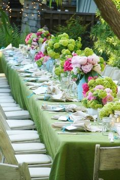 """pretty Green and Pink Centerpiece . pity the linens weren't ironed ( linen is normally """"wrinkled"""", I liked it that way, and I loved the colors. Green has been my choice often this yr. 2013.~Irma)"""