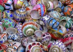 Painted shells ideas...maybe glue on some bling too?