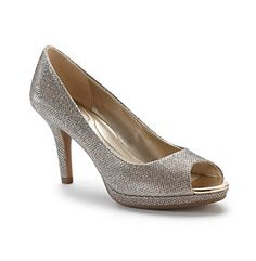 """Bandolino® """"Supermodel"""" Pumps I seriously love these shoes...of course, I still don't walk well in heels."""