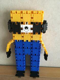Mijn zoon Bram zijn eigen creaties:Minions met clicks gemaakt=Wit:1stukje-Zwart:13stukjes_Geel:34stukjes-Blauw:39Stuks