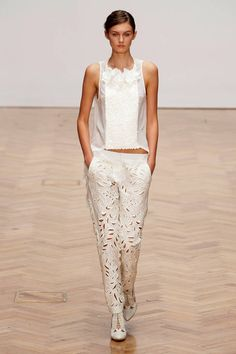 Sass & Bide Spring 2013 Ready-to-Wear Runway - Sass & Bide Ready-to-Wear Collection - ELLE