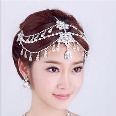 Crystal headpiece! Gorgeous headpiece! Please message with any questions :-) Accessories Hair Accessories