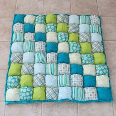 Baby Puff Quilt by beautifuleverytime - nice mix of soft and vibrant colours Bubble Blanket, Bubble Quilt, Puff Blanket, Rag Quilt, Patch Quilt, Quilt Blocks, Quilting Projects, Quilting Designs, Sewing Projects