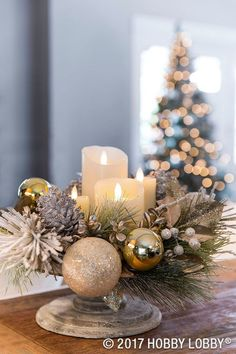 For Christmas centerpieces that are festive and elegant, arrange floral picks, ornaments and candles on a cake stand! For Christmas centerpieces that are festive and elegant, arrange floral picks, ornaments and candles on a cake stand! Silver Christmas Decorations, Christmas Candle, Noel Christmas, Christmas Centerpieces, All Things Christmas, Christmas Arrangements, Christmas Inspiration, Holiday Crafts, Winter
