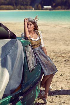 Ninnerl Dirndl @trachtenbibel folgen und Trends entdecken! Dandy Style, Cyan Blue, Self Design, Folk Fashion, Brand Ambassador, Lovely Dresses, Trends, Shades Of Blue, Lifestyle Blog