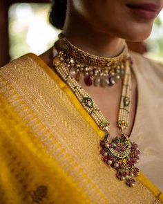 Jewelry Design Earrings, Pearl Jewelry, Antique Jewelry, Fine Jewelry, Pearl Necklace, Gemstone Necklace, Jhumki Earrings, Small Earrings, Stylish Jewelry