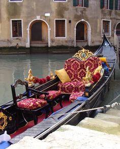 Romantic Gondola in Venezia