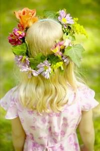 How to Make a Fresh Flower Head Wreath, use hooks to attach