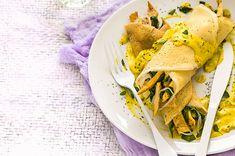 Receta Crepas saladas de pollo y espinacas con salsa de flor de calabaza - Cocina Vital