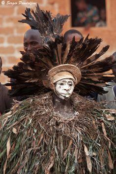 Africa   Masked dancer at Zobromà village - Seredou area. Guinea   ©Sergio Pandolfini