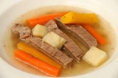 Babyrezept Tafelspitz für Blw-Anfänger auf babyspeck.at, gekochtes Rindfleisch mit Wurzelgemüse für Babys ab 6 Monate, Baby led weaning Rezept