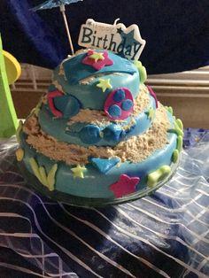 Cake de playa con fondant relleno de dulce de leche.