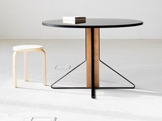Round wooden table KAARI | Round table by Artek