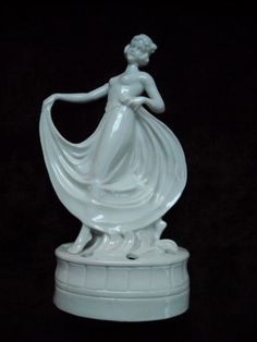LARGE-DECO-LADY-DANCER-FLOWER-FROG-FROM-GERMANY