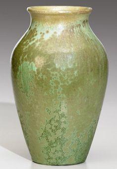 Fred H, Robertson. Vases, Roycroft, Arts And Crafts Movement, Pottery Art, American Art, Ceramic Art, Craftsman, Art Nouveau, Glaze
