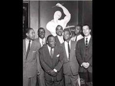 También un día como hoy nació Buck Clayton (12 de noviembre de 1911 – 8 de diciembre de 1991), trompetista de jazz de nacionalidad estadounidense.  http://es.wikipedia.org/wiki/Buck_Clayton