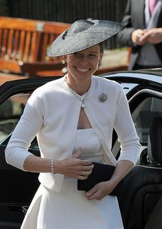 Lady Sarah Chatto attends the Royal Wedding of Zara Phillips to Mike Tindall at Canongate Kirk in… Zara Phillips Wedding, Lady Sarah Armstrong Jones, Lady Sarah Chatto, British Wedding, Chanel, 50 And Fabulous, Wedding Hats, Wedding Venues, Royal Jewelry
