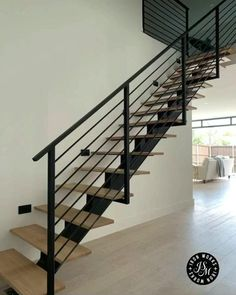 Staircase Railing Design, Interior Stair Railing, Modern Stair Railing, Staircase Handrail, House Staircase, Home Stairs Design, Modern Stairs, Interior Design Living Room, Open Staircase