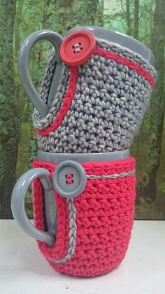 23 Clever DIY Christmas Decoration Ideas By Crafty Panda Crochet Coffee Cozy, Crochet Cozy, Crochet Gifts, Cute Crochet, Crochet Dolls, Coffee Cozy Pattern, Cozy Coffee, Crochet Flower Patterns, Crochet Designs