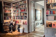 Антиквариат и современное искусство: интерьер в Стокгольме