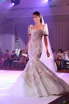 Very interesting and intricate detail. Modern Filipiniana Gown, Filipiniana Wedding, Philippines Dress, Philippines Culture, W Dresses, Formal Dresses, Filipino Wedding, Wedding Attire, Wedding Dresses