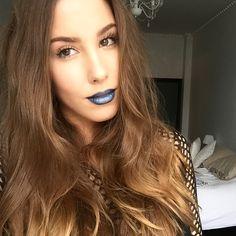 Saraphina - blue lips