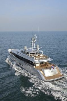 #Superyacht #Como by #Feadship #yacht #megayacht #luxury http://www.yachtemoceans.com/como-launched-by-feadship/
