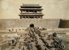 Chongwenmen Gate to Beijing.  老北京崇文门外.